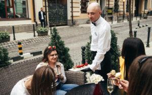 официанты на праздники классик